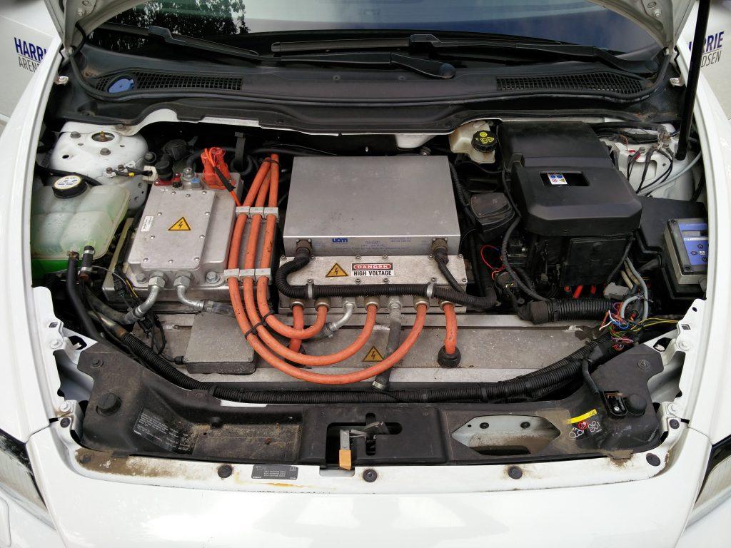 Volvo V50 UQM controller